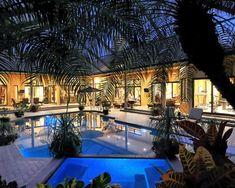 40 Spectacular Pools to Extinguish this Summer Heat