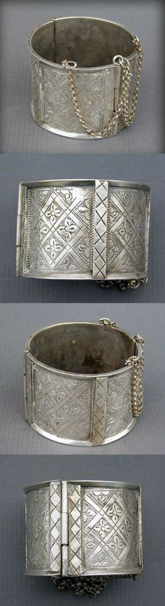 "Algeria | Extremely rare Berber ""Akhelkhal"" hinged anklet or bracelet from Aurès 