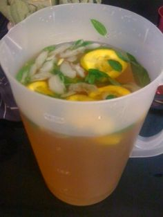 Dr. Oz's Green Tea Recipe-A Metabolism Booster In a large pitcher, combine: -8 cups of brewed green tea -1 tangerine, sliced -A handful of mint leaves Stir this delicious concoction up at night so all the flavors fuse together. Drink 1 pitcher daily for maximum metabolism-boosting results. ♥✤