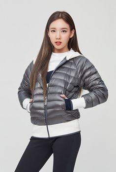 🎀 twice x beanpole sport Kpop Girl Groups, Korean Girl Groups, Kpop Girls, Twice Photoshoot, Nayeon Twice, Im Nayeon, Dahyun, Dance The Night Away, South Korean Girls