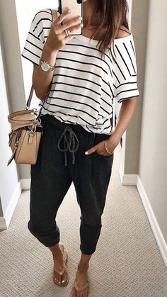 Striped shirt looks primavera, comfortable summer outfits, Comfortable Summer Outfits, Trendy Summer Outfits, Spring Outfits, Casual Outfits, Black Outfits, Holiday Outfits, Ootd Spring, Striped Shirt Outfits, Classy Outfits