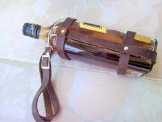 Genuine crazy leather bottle sleeve carrier whisky beer wine water bottles holder adjustable strap holster for picnic and walk