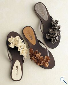 How simple to beautify a pair of flip flops by attaching flowers!