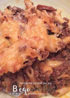 Macarrones con carne picada, chorizo y tomate gratinados