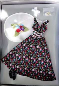 Offered for sale in a 10 day Ebay auction. A Day at The Races 16 In. DeeAnna Denton Doll Outfit, Tonner 2013 #TonnerDollCompany #ClothingAccessories