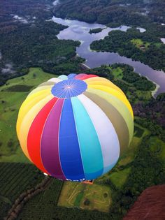 hot air ballooning. 27 things to do in Byron Bay, NSW, Australia.