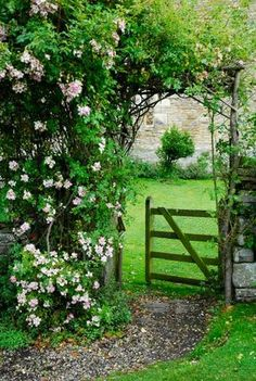 Inviting entry to the garden!