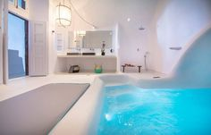 Every detail counts when it comes to your romantic getaway! www.sophiasuites-santorini.com  #Santorini #SophiaSuites #Imerovigli