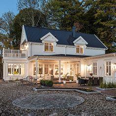 """Se fler bilder ifrån huset Modernt hus A3078 """"Alla familjer är olika – därför är varje"""