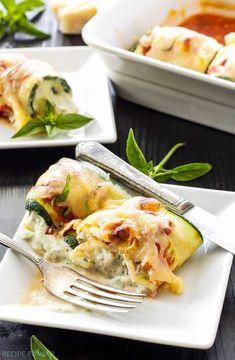 Zucchini Lasagna Rolls by reciperunner: Use zucchini instead of pasta in this healthy, gluten free lasagna recipe. Lasagna Rolls Recipe, Zucchini Lasagna Rolls, Recipe Zucchini, Healthy Dinner Recipes, Vegetarian Recipes, Cooking Recipes, Cooking Stuff, Gluten Free Lasagna, Pasta