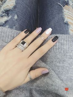 Lovely Nails Art Design Ideas Suitable Cold Weather 21 Nice nail art design ideas suitable for cold weather Gorgeous Nails, Love Nails, Pretty Nails, Fun Nails, New Nail Designs, White Nail Designs, Beautiful Nail Designs, Uñas Fashion, Trendy Nail Art