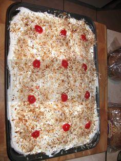 Heather's Eden: RECIPE: Better Than Sex Cake Sheet Cake Recipes, Cake Mix Recipes, Pound Cake Recipes, Dessert Recipes, Pie Recipes, Dessert Ideas, Dinner Recipes, Just Desserts, Cake