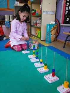 Demonstrate awareness of the world in spatial terms Infant Younger Toddler Older Toddler Younger Preschool Demonstrate awareness of places and regions InfantHand-on counting (plus fine-motor)! Can easily change up the manipulative used for the activity. Preschool Learning Activities, Toddler Learning, Kindergarten Math, Toddler Activities, Preschool Activities, Teaching Kids, Counting Activities, Math For Kids, Kids Education