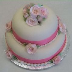 The simple elegance of ribbon and roses -- just lovely!