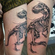Squeletto sketchito t-rexo, merci beaucoup Fanny projet très sympa. #toulouse #tatouage #tattoo #tattooedgirls #tattoodesigns #tattooofinstagram #tattoooftheday #ink #inked #inkoftheday #inkofinstagram #tattooersubmission #tattoolife #tattooloverzz...