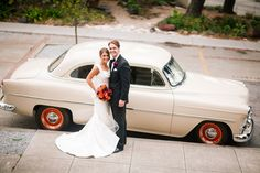 Love this shot of Marisa and Dan with their antique car! #realwedding #wedspiration