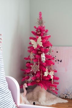 the-makerista-hot-pink-kids-room-tree-img_7260
