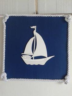 """""""E avisa aos navegantes..."""" <br>Que nosso barquinho está chegando para decorar sua casa...clima de brisa do mar.. <br> <br>Quadrinho com aplique de barco todo em MDF (madeira) pintado. <br> <br>FRETE POR CONTA DO COMPRADOR. <br>PRONTA ENTREGA DE 1 UNIDADE <br> <br>Confeccionado em outras cores, sob encomenda, prazo de até 45 dias!"""