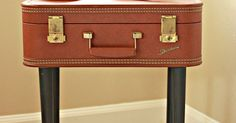 Turn an old vintage suitcase into a table! For more furniture projects, visit my website! DIY vintage suitcase table Supplies I found this beautiful luggage cas…