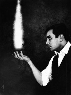 Yves Klein as the Actor of Looking. Le Rêve du Fue, 1961 by Harry Shunk & Janos Kender.