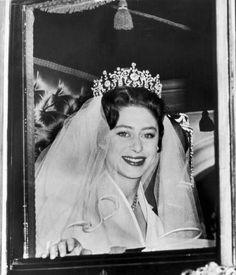 Margaret e Anthony d'Inghilterra.......http://www.pinterest.com/pincipealberto/bodas-reales-royal-weddings/