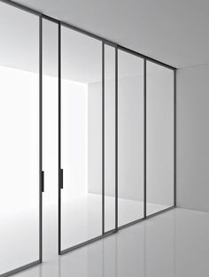 Super minimal sliding door and window frames. 'Green' by Piero Lissoni for Boffi. Very nice.