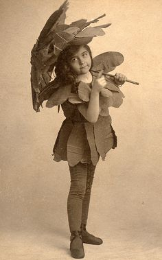 Flower fairy with wrinkled tights by lovedaylemon, via Flickr