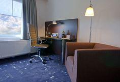 De werktafel in een van de executive kamers van het Hampshire Hotel - Groningen Plaza.