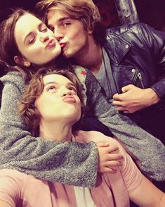 """54 Photos And Videos Of """"The Kissing Booth"""" Cast Being Friends IRL The fact Elle and Noah are dating for real is the CUTEST.<br> The fact Elle and Noah are dating for real is the CUTEST. Joey King, Kissing Booth, Noah Flynn, Films Netflix, Film Serie, Hunger Games, Good Movies, Couple Goals, Cute Couples"""