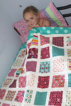 Quilt Patterns Using Charm Packs | ... time, Sew little Fabric: My New Pattern - The Charm Square Bed Quilt