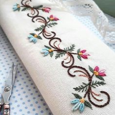 Wonderful Ribbon Embroidery Flowers by Hand Ideas. Enchanting Ribbon Embroidery Flowers by Hand Ideas. Border Embroidery, Embroidery Monogram, Learn Embroidery, Hand Embroidery Stitches, Silk Ribbon Embroidery, Crewel Embroidery, Hand Embroidery Designs, Embroidery Ideas, Machine Embroidery Projects