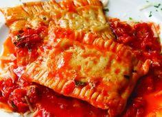 Ravioli cu carne şi sos de roşii