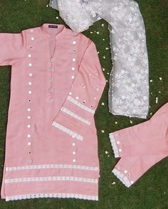 No photo description available. Girls Dresses Sewing, Stylish Dresses For Girls, Simple Dresses, Casual Dresses, Simple Pakistani Dresses, Pakistani Dress Design, Sleeves Designs For Dresses, Dress Neck Designs, Frock Fashion