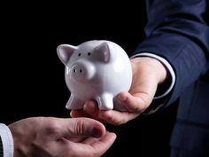 Para as empresas que estão nos primeiros anos de vida, cada centavo importa. Por isso, aqui estão 08 dicas muito simples para ajudar você, empreendedor, a economizar no seu negócio!   Conheça esses conselhos no Blog do Johnnie: blog.metacerta.com
