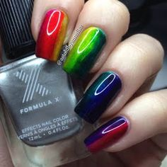 Just like you, we can't stop staring at this mani! Preen Me VIP Annalisa rocked her new lacquer set from Formula X #Infinite Ombre, which were given to her as a gift.