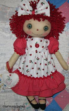 charmingsbycmh Raggy Dolls, Favorite Christmas Songs, Raggedy Ann And Andy, Holly Hobbie, Kokeshi Dolls, Hello Dolly, Fabric Dolls, Doll Patterns, Art Dolls