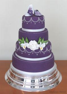 Bröllopstårta i lila