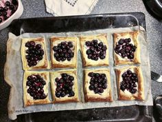 """blueberry puffpastry """"cakes"""""""