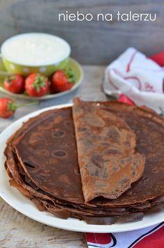 Naleśniki czekoladowe z serem i truskawkami, świetne na obiad, kolację lub deser, szybkie w przygotowaniu. Skusi się na nie każde dziecko i wielu dorosłych.
