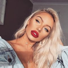 "5,565 Likes, 6 Comments - LASULA (@lasulaboutique) on Instagram: ""Lit and you know it ✨✨✨ @bybrookelle #lasula #girlcrush #makeupinspo #inspo"""