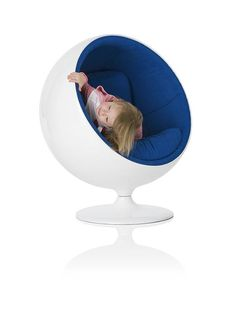 https://i.pinimg.com/236x/d1/2e/cd/d12ecd305b3c91eeabce3673135c8c77--chairs-for-kids-modern-home-interior-design.jpg