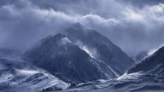 Phendrana's Edge - Here's an image from last month: a winter storm over the jagged peaks of California's Sierra Nevada range. I fell in love with the dramatic and foreboding profile of this particular mountain, so I posted up here for a few days waiting for it to show itself. One afternoon, it finally did, as the sun highlighted wind-whipped snow on its ridges. Only five minutes passed before it slipped back into the shadows.  If you'd like to learn how I process my images, I recently…