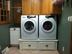 My wife's new washer and dryer pedestal.