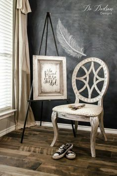 How I Painted A Metallic Finish With A Putty Knife on a chair and a repurposed cabinet door... you gotta see this! #dododsondesigns #metallicfinish #metallicpaint #paintedfurniture#furnituremakeover #refurbishedfurniture
