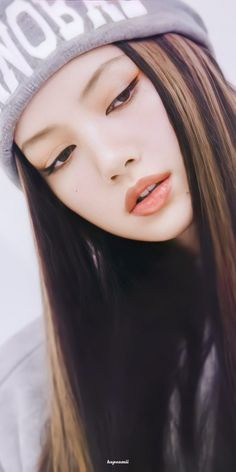 Iconic Photos, Blackpink Photos, Thailand Princess, Solo Album, Cyberpunk Aesthetic, Asian Short Hair, Solo Photo, Pretty Asian Girl, Lisa Bp