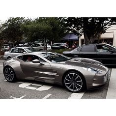 Probably the best photo of an Aston Martin One 77 I've seen. Feels real rather than fantasy.