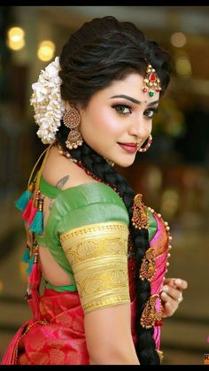 Stylish Wedding Hairstyle Ideas For Indian Bride - Indian Fashion Ideas<br> South Indian Makeup, Indian Wedding Makeup, Indian Bridal Fashion, Wedding Day Makeup, Wedding Art, Indian Bridal Hairstyles, Bride Hairstyles, Hairstyle Ideas, South Indian Bride Hairstyle
