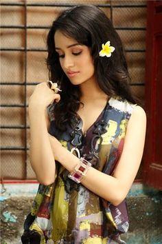 Shraddha Kapoor wallpaper for desktop Prettiest Actresses, Beautiful Actresses, Indian Celebrities, Bollywood Celebrities, Indian Film Actress, Indian Actresses, Shraddha Kapoor Cute, Sraddha Kapoor, Dou Dou