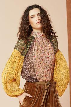 1265f52b0cf079 39 best I wear a necklace images   Blouse, Blouses, Cotton fabric