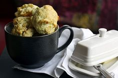 Easy Cheesy Garlic Red Lobster Style Biscuits from Scratch
